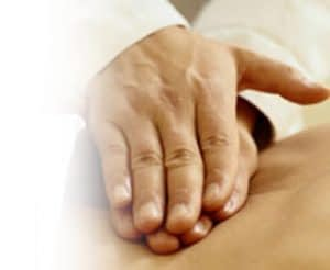 chiropractor-massage-treatment-back-pain